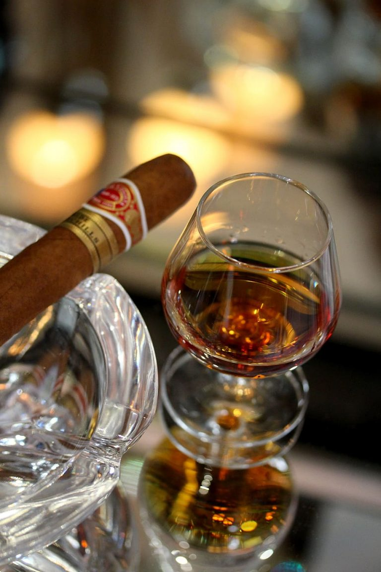 copa de brandy Golden Map mejor combinacion habano puro